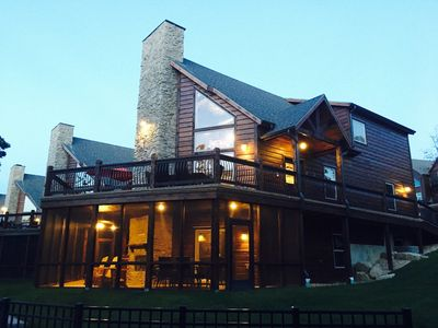 Photo for WaterMill Cove Resort-Lakefront Lodge~2mi to Silver Dollar City~HUGE POOL~Dock