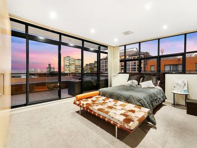 Photo for Darling Harbour Penthouse Views+Jacuzzi