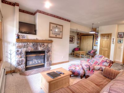 Photo for Extra Large 3 Bedroom Condo with Amazing Views - Quick Walk to the Slopes!