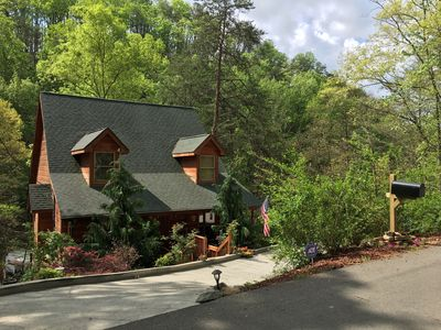 "Photo for ""Specials""Luxury Cabin*Great Location*Gameroom,Hotub,WiFi  Parking for trailers"