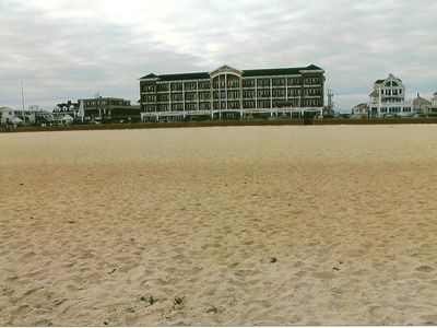 Sea Spray Condo in the heart of Hampton Beach, voted top 5 best beaches in US!