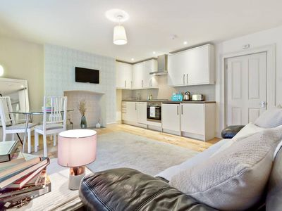 Photo for Stylish 1 Bed w/Garden in Clerkenwell