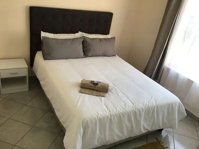 Photo for Modern 2 beds apartment 13km to OR Tambo Airport