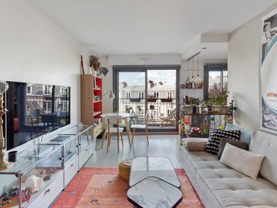 Photo for Bright flat with Balcony in Montmartre