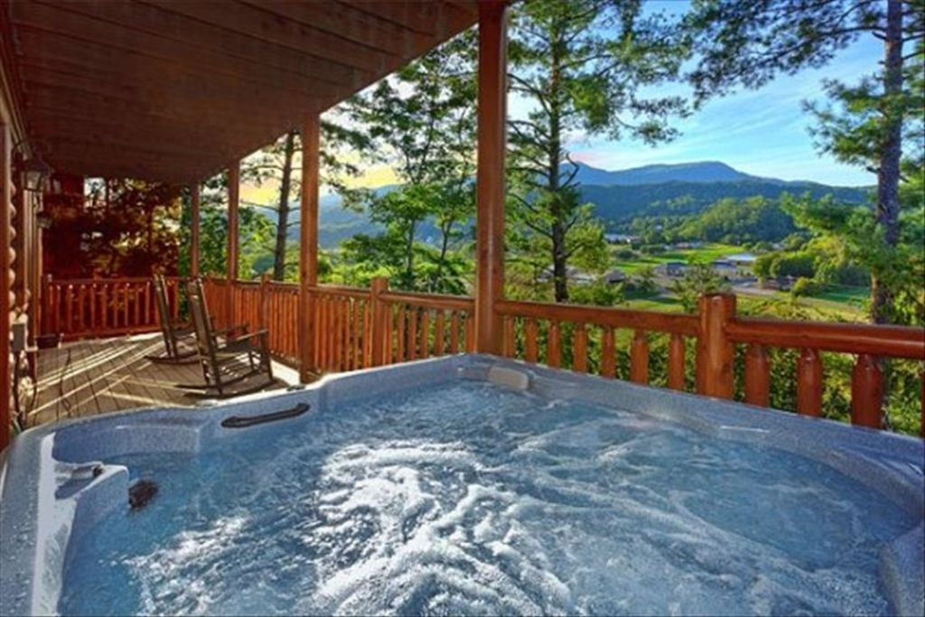 372300 2 Or 4 Bedrooms Willow Tree Cabins Covered Bridge Resort Pigeon Forge Sevier