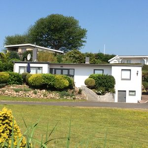 Photo for Holiday home for up to 6 people // 100 m from the beach!
