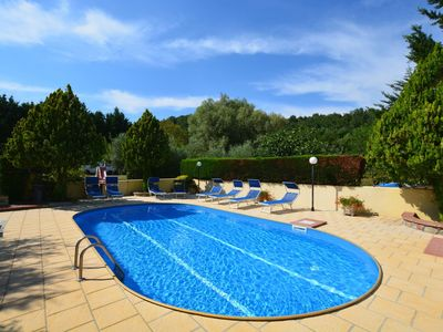Photo for Cosy apartment in villa for 2 guests with WIFI, pool, TV and parking