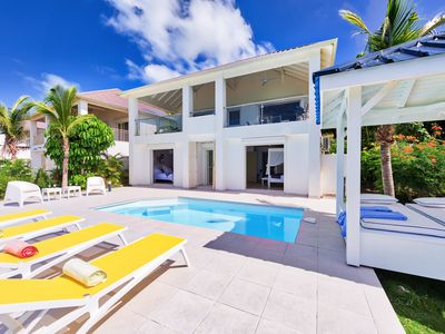 3 bedroom villa with gorgeous view over Happy Bay ( Blue Sailing)