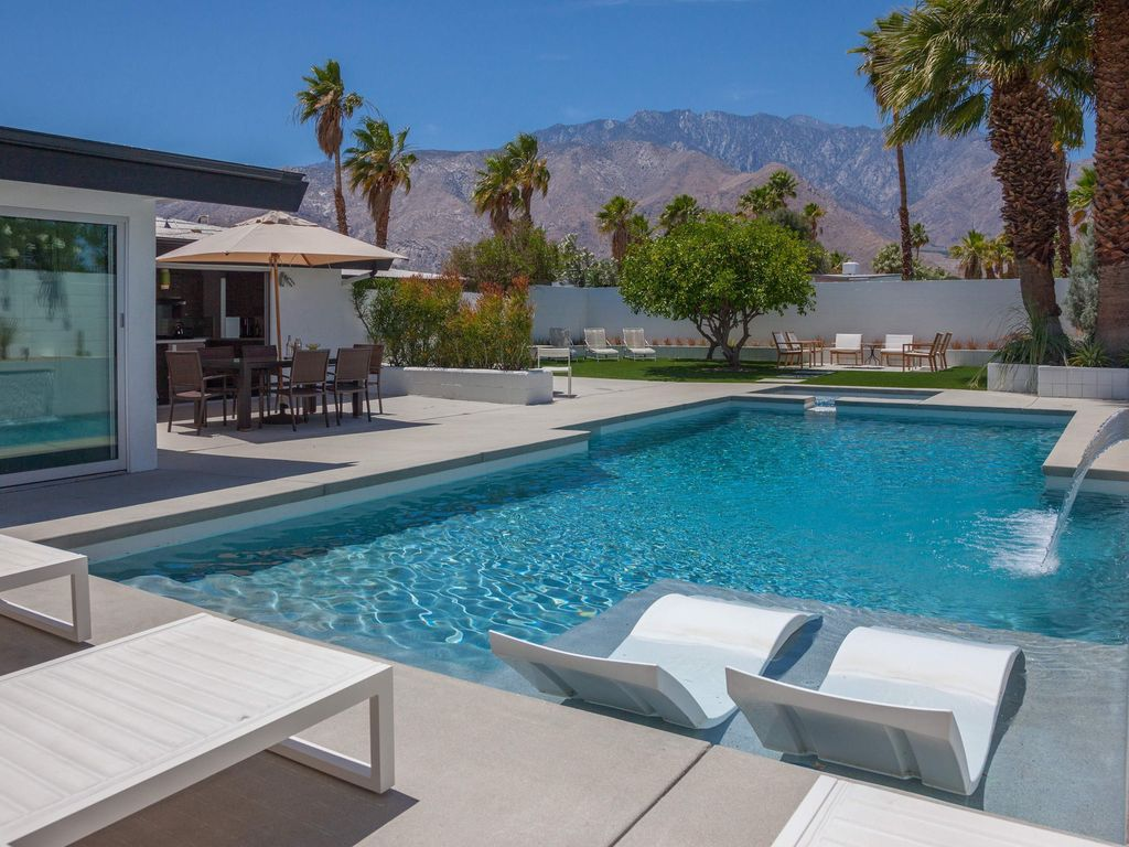 The Aperture  3 BR  2 BA House in Palm Springs       HomeAway Racquet Club  Estates. The Aperture  3 BR  2 BA House in Palm Springs       HomeAway