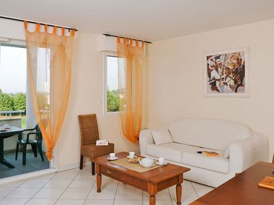 Photo for Nice apartment for 4 guests with WIFI, private pool, balcony, pets allowed and parking