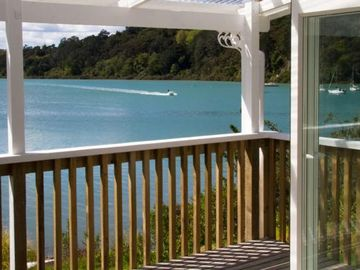 Search 237 holiday rentals