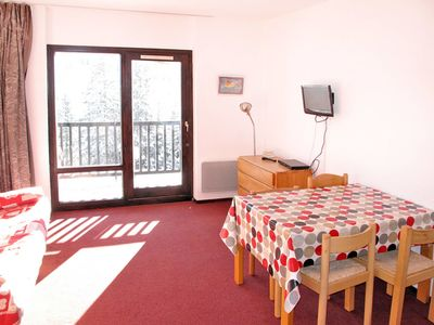 Photo for Cosy apartment for 4 guests with TV, balcony and pets allowed