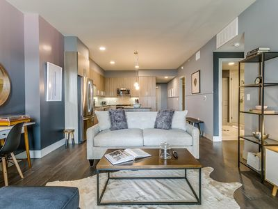 Photo for Gorgeous 2BR/2BA in Uptown Dallas
