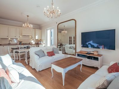 Photo for Wdf 3 bedroom apartment right in the heart of the city