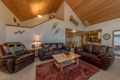 Great Room - Great Room with very comfortable leather furniture, large Flatscreen TV w/DVD and DirecTV