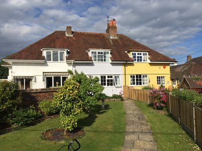 Photo for A beautiful cottage in the heart of the New Forest and a short drive to beaches