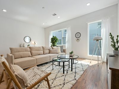 Photo for Gorgeous 2 Bedroom Townhome in AMAZING Location