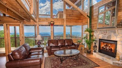 Photo for Shooting Star: Stunning 2/2 Cabin near Parkway!