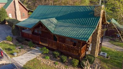 Smoky Mountain Jewel is a Beautiful property to come and experience