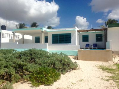 Photo for Beautiful Beach Front Infinite Pool 3 Bedroom House