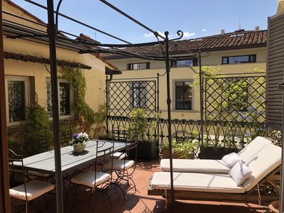 Photo for Bright and elegant flat with terrace near Ponte Vecchio