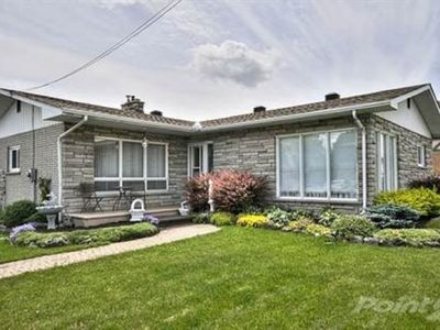 Photo for Peaceful riverside country setting, completely renovated.(near Ottawa & Calypso)