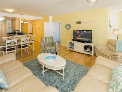 Photo for Bright & cheerful 2 bedroom courtyard unit on the third floor - elevator at complex