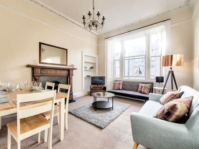 Photo for Stylish & Spacious Georgian Apartment City Centre