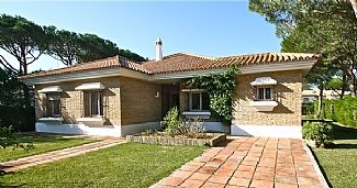 Photo for Spacious & Stylish Villa With Private Pool and Secluded Garden