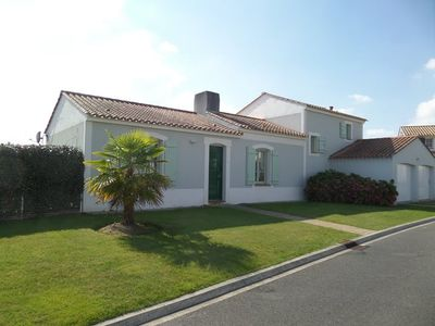Photo for 4 bedroom villa with private heated swimming pool and large private garden