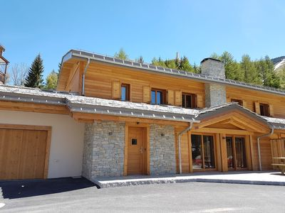 Photo for Large new chalet in the center of Les Deux Alpes - indoor pool and sauna