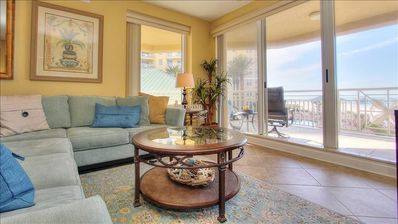 Luxurious Oceanfront with Views of Sunsets and Pier 60 at Mandalay Beach Club on San Marco!