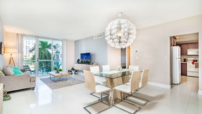 Photo for Beautiful Beach Apartment in Hollywood Beach