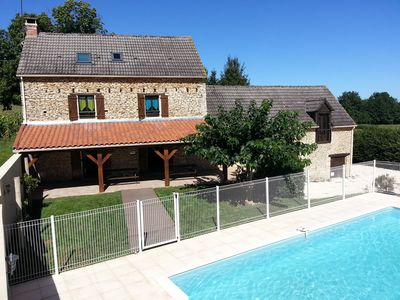 Photo for Heated swimming pool 10 km north of Sarlat