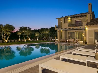 Photo for EXCLUSIVE 5-STAR* LUXURY VILLA// INFINITY SWIMMING POOL//AMAZING SEA VIEW!!