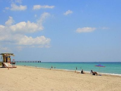 Hollywood beach at your doorstep