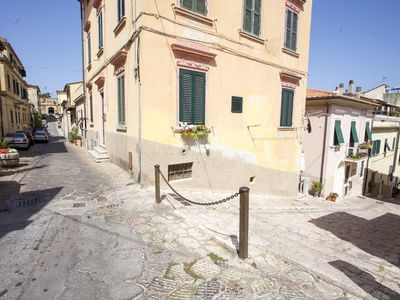 Photo for Two-room Piazza al Fico 2/4 in historic center of Portoferraio