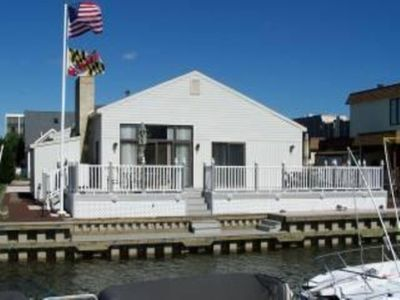 Canal Front w/ deck Grill and Fire Pit,  Dock your boat for the week, canal leads out to the Bay!