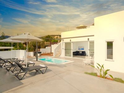 Photo for Beach Villa Paradiso II with private pool