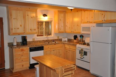 Brand New Kitchen with All New Appliances and all the cookware you will need