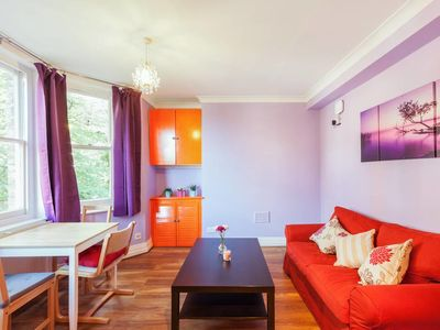 Photo for Contemporary 1 Bed apt w/Ensuite in North London
