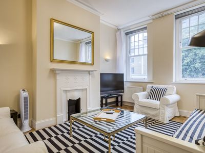 Photo for Stunning 2-Bed, 2-Bath Apartment near Victoria St.