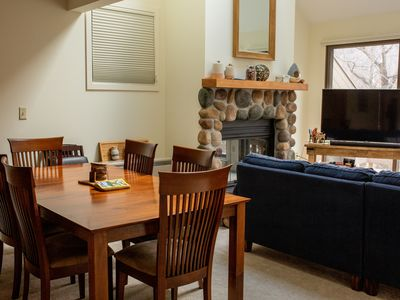 Newly renovated condo in Loon Resort, the Heart of the White Mountains