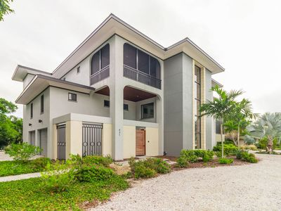 Photo for Custom built 4 bedroom 4.5 bath pool home just minutes from the beach on Longboat Key!