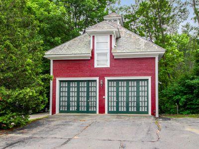 Photo for Dog-friendly suite over old carriage house - 1 mile from Okemo on shuttle route