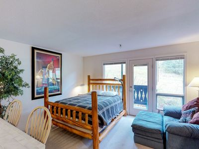 Photo for Ski-in/out condo w/ amazing mountain views - near shopping & dining
