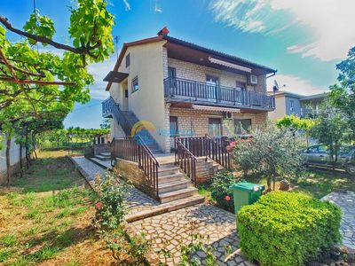 Photo for Apartment 1627/16804 (Istria - Pula), Budget accommodation, 3500m from the beach