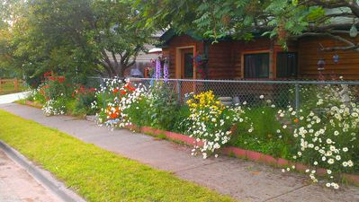 Photo for 2BR Cottage Vacation Rental in Anchorage, Alaska