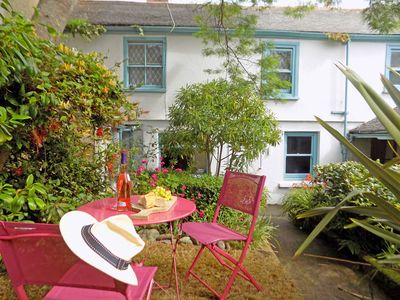 Kent Cottage in the centre of Mousehole