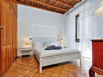 Photo for Rome, Trastevere, comfortable apartment for 6